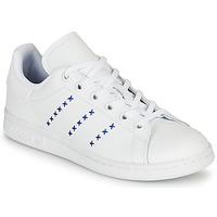Sko Børn Lave sneakers adidas Originals STAN SMITH J Hvid / Blå