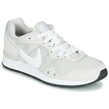 Sko Dame Lave sneakers Nike VENTURE RUNNER Beige / Hvid