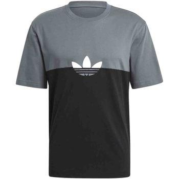 Se T-shirts m. korte ærmer adidas  GN3504 ved Spartoo