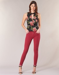 textil Dame Smalle jeans Guess SANSOPO Rød