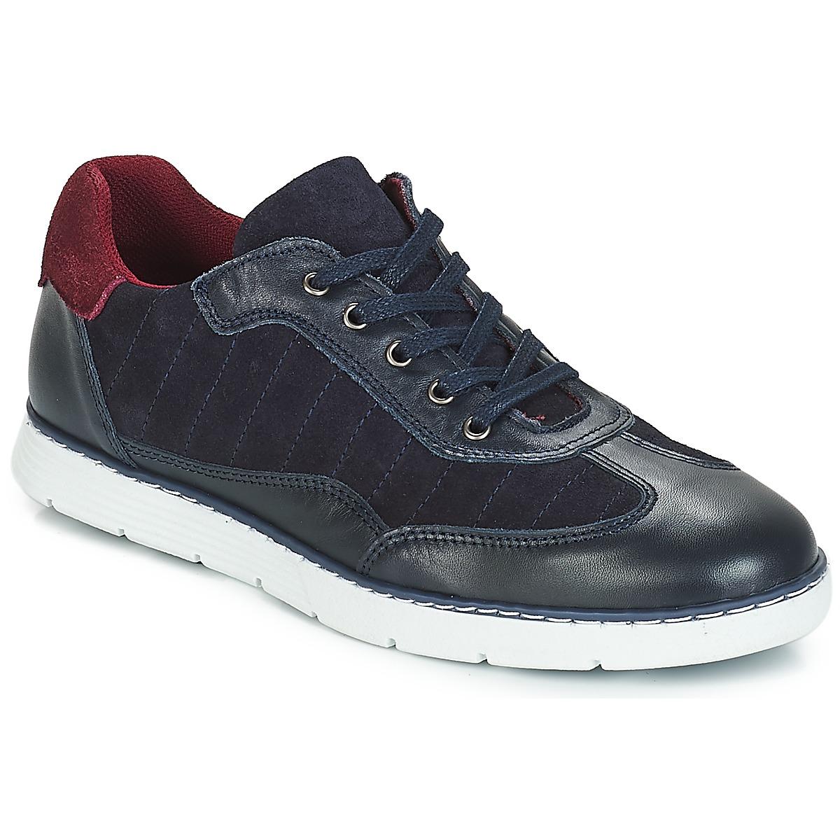 Sneakers André  TITAN