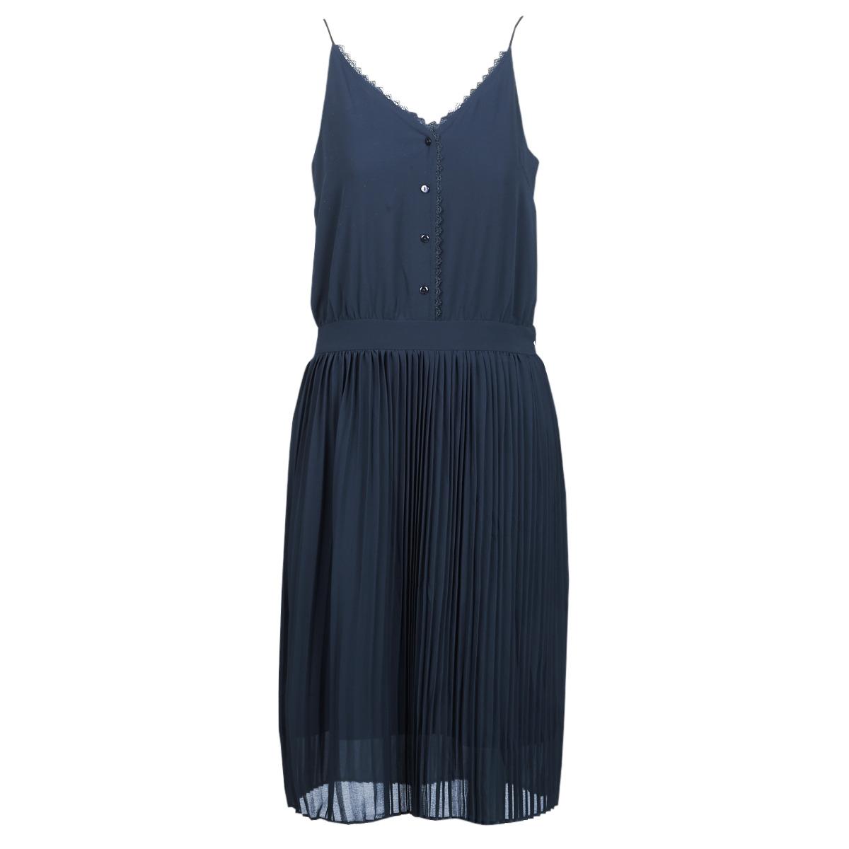 Korte kjoler Betty London  KORI
